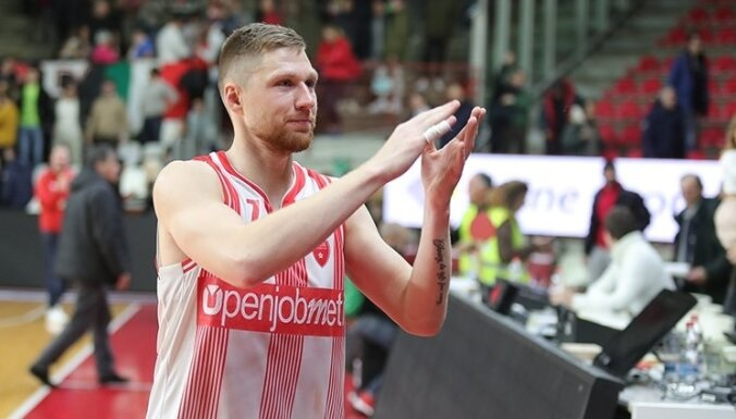 Jakovičs par treneri, kurš bļauj uz asistentiem, profesoru Skolu un dalību izlasē