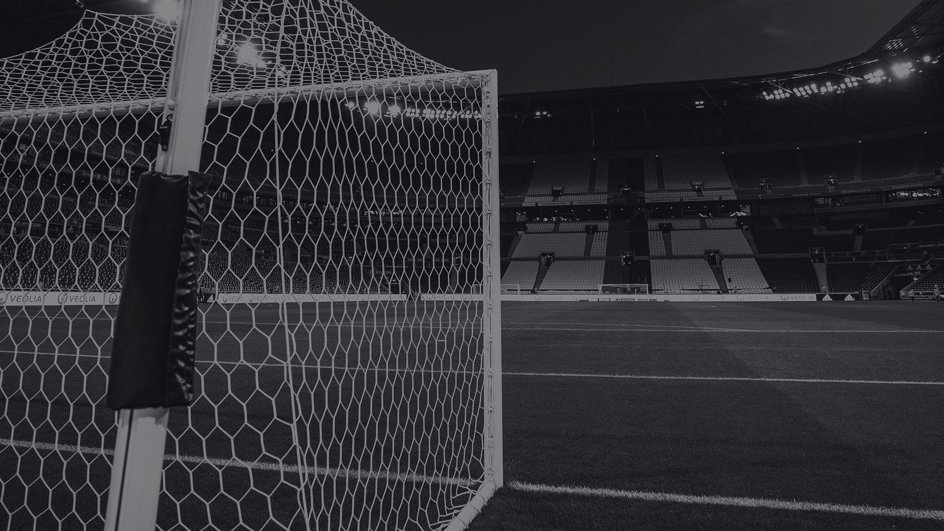 12 domas: Pukinsks par futbolu, zaudētājiem un divkosību (arī futbola sabiedrībā)