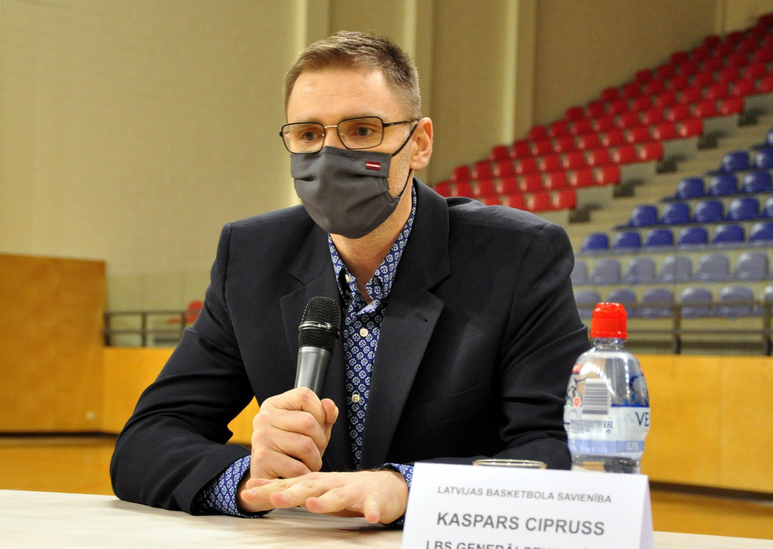 Cipruss par rezonansi izraisījušo video, Timmas pievienošanos un Lēmaņa kļūšanu par galveno treneri