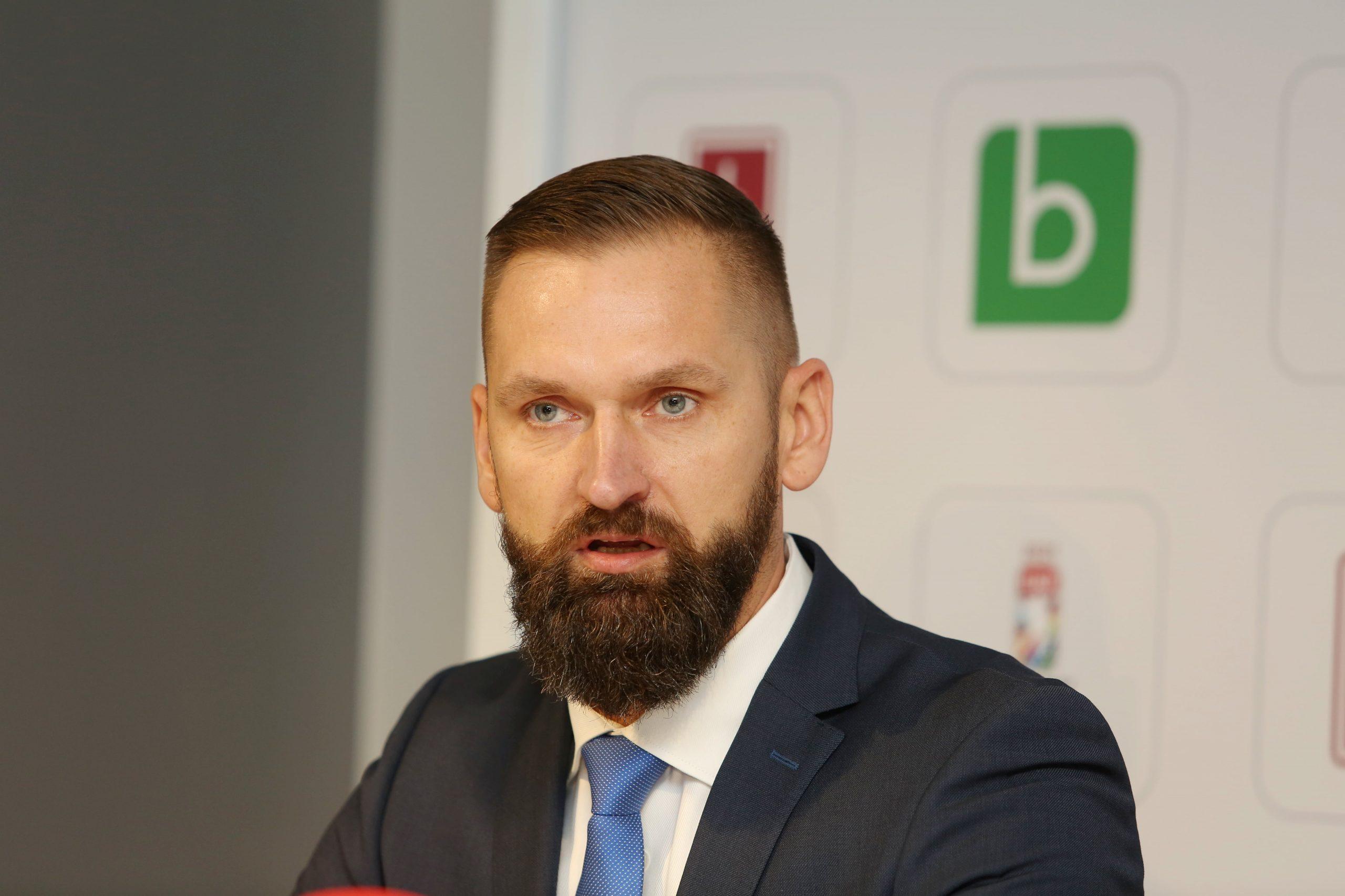 """""""Dinamo"""" ģenerālmenedžeris Buncis – hokeja funkcionārs ar Donbasas rūdījumu"""
