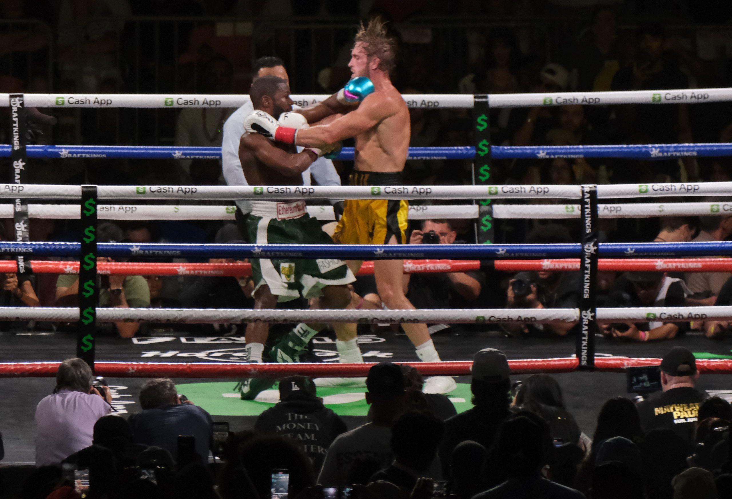 """Meivezera un """"Youtube"""" zvaigznes boksa cīņas cipari – iespaidīga algas diena"""