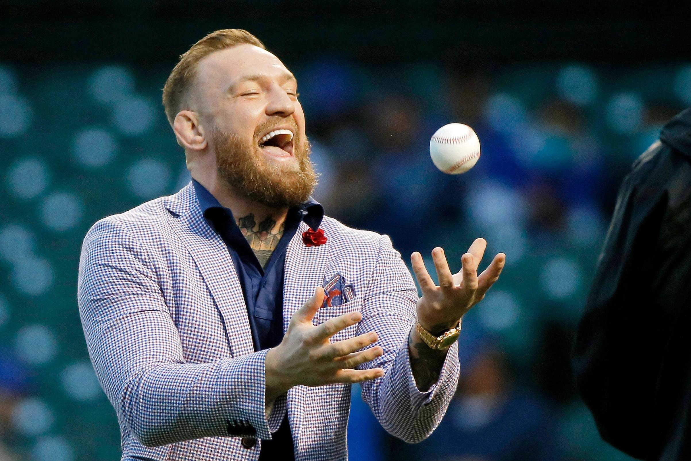 Makgregors veic, iespējams, sliktāko simbolisko iemetienu beisbolā