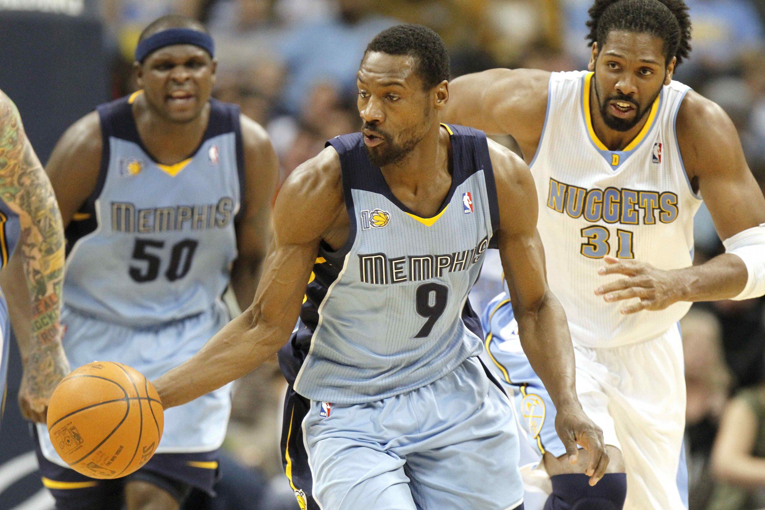 Kā 18 bijušie NBA spēlētāji centās izkrāpt nepilnus 4 miljonus